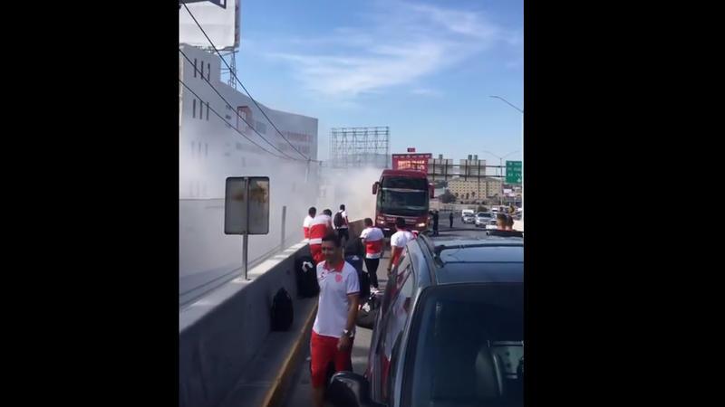 Se incendia autobús en donde viajaba el equipo de Necaxa
