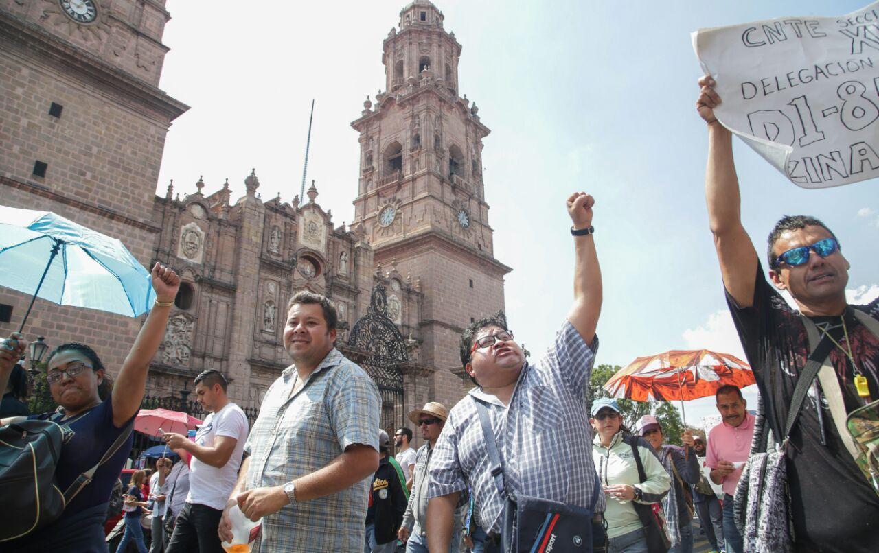 Realiza CNTE marcha masiva en Morelia; Más de 2 mil maestros se manifestaron