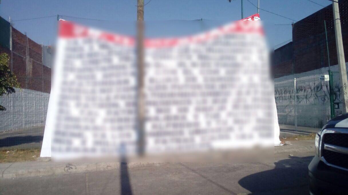 """Colocan """"narcomanta"""" en Morelia con mensaje para Silvano Aureoles"""