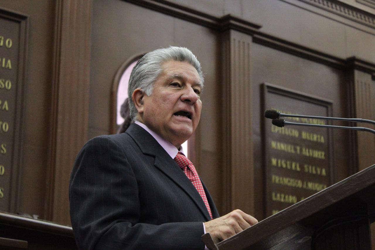 Propone Omar Carreón creación de fideicomiso público para rescatar el Lago de Pátzcuaro.